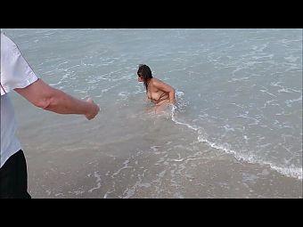 Beach Flashing and Posing with Anal Plug