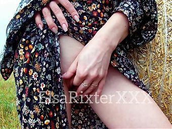 Masturbating my hot pussy in public. ElsaRixterXXX