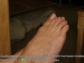 Dr. Foot Queen Goddess - Natural Nails Toe Wiggling Part 1
