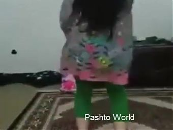 Hot Desi Girl Hot Dance at home