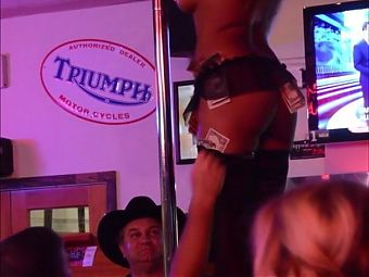 Beer Bottle Pussy Play on the Bar